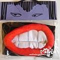 A0018-D拉鍊嘴咬牙切齒-黑底
