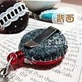 E06D01-02-紅底蕾絲-小草莓-背面扣夾式