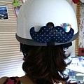 C10A (4)-深藍白點-翹鬍子-安全帽釦飾