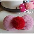 C10B07-紅毛球粉蝴蝶結釦飾