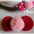 C10B04-粉毛球紅蝴蝶結釦飾