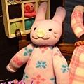 兔寶的新朋友~紫色小花兔