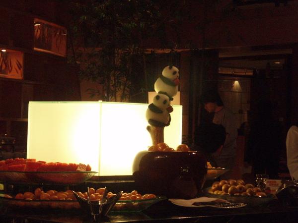 水果區~很應景的熊貓