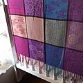 典雅韻味 CLASSICAL 圍巾、披巾(紫紅A)