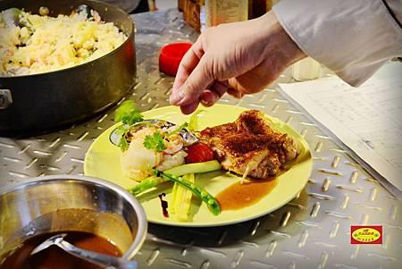 在米卡洛~輕鬆上菜~住民宿簡單料理烹飪教學ing~宜蘭民宿 住民宿吃美食~
