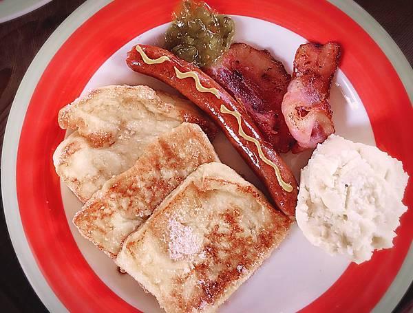 宜蘭民宿米卡洛早餐103.jpg
