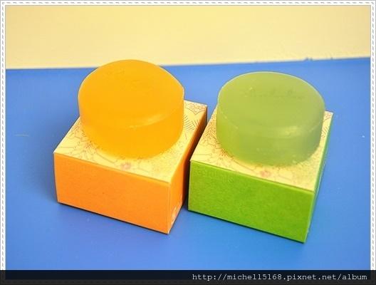 樂樂友  沖繩原生蜂甜橙蜜齡皂