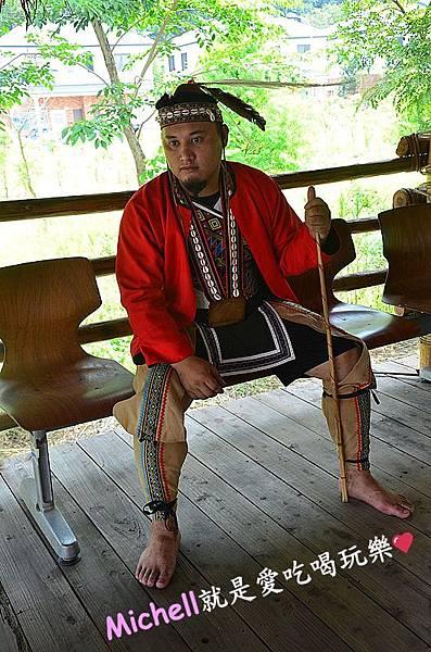 ♥嘉義♥ 阿里山二天一夜(上):逐鹿部落迎賓風笛、迎賓舞、金皮雕工作室手工DIY鑰匙圈