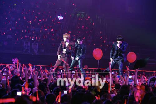 泰國公演有感:留下數百首歌隻身出來的JYJ.jpg