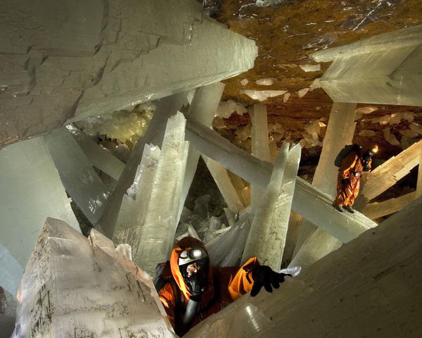 結晶洞窟20.JPG