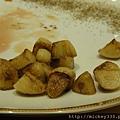 小時不懂牛排旁的蒜或蒜片搭配起來有多提味啊
