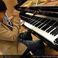 20111102pm11鋼琴氣質美女西村由紀江來佼朋友囉 (2).JPG