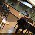 20111102pm11鋼琴氣質美女西村由紀江來佼朋友囉 (12).JPG