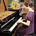 20111102pm11鋼琴氣質美女西村由紀江來佼朋友囉 (15).JPG