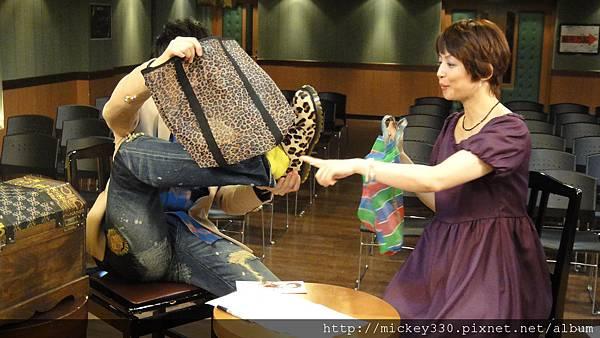 20111102pm11鋼琴氣質美女西村由紀江來佼朋友囉 (18).JPG