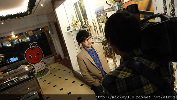 20111102pm11鋼琴氣質美女西村由紀江來佼朋友囉.JPG