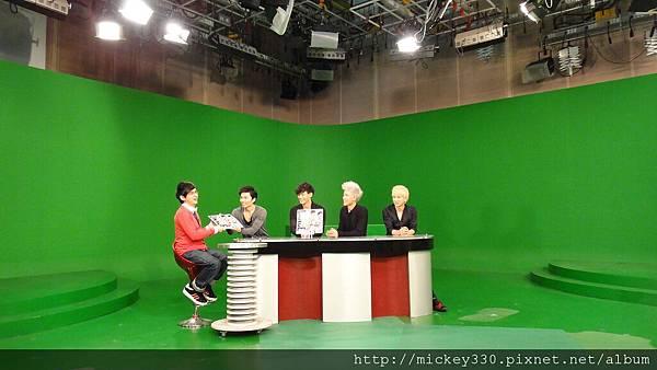 20111103PM10棒棒堂F當主播帥慘囉 (3).JPG