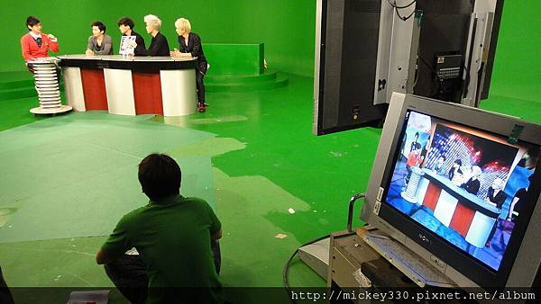 20111103PM10棒棒堂F當主播帥慘囉 (10).JPG