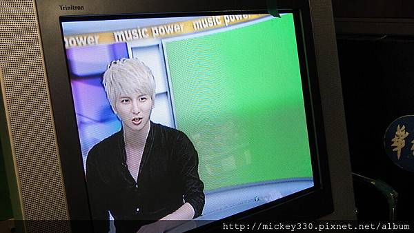 20111103PM10棒棒堂F當主播帥慘囉 (12).JPG