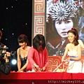 2011 1102楊門女將上海首映會 (10).JPG