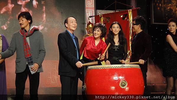 2011 1102楊門女將上海首映會 (37).JPG