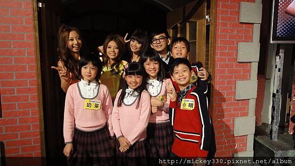 2011 1023為小隻的~兩年後再戰百萬小學堂 (7).JPG
