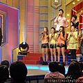 2011 10躲了三年終於被迫和小隻的乖乖錄百萬大歌星~好難喔 (2).JPG