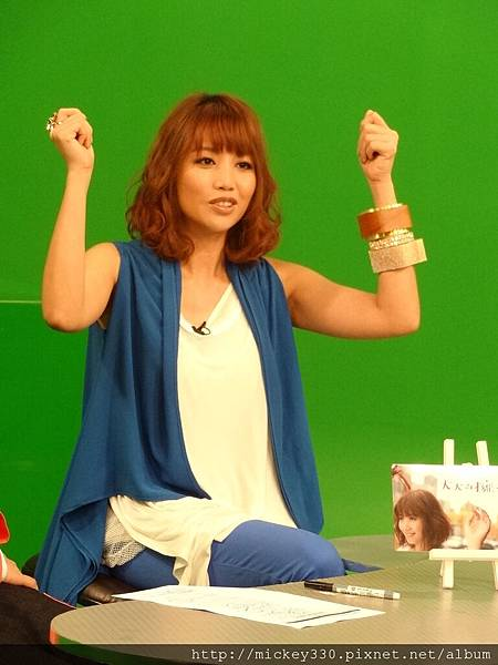 20111117pm10a lin在音樂強力佼  (3).JPG