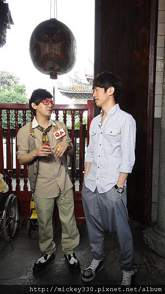 2011 1117pm9佼個朋友吧~大城小巷張棟樑陪我一起逛 (15).JPG