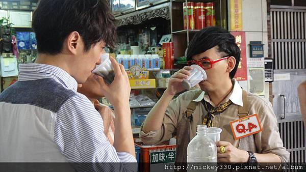 2011 1117pm9佼個朋友吧~大城小巷張棟樑陪我一起逛 (37).JPG