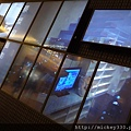 2011 PHOTO TAIPEI名人公益攝影展在市府轉運站預展輪播中 (10).JPG