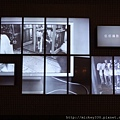 2011 PHOTO TAIPEI名人公益攝影展在市府轉運站預展輪播中 (12).JPG