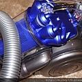 2011 會讓工業設計與戀物癖崩潰吸睛的DYSON吸塵器 (3).JPG