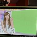 2011 1124翁滋蔓來當金榜主播在PM10華視音樂強力佼唷 (4).JPG