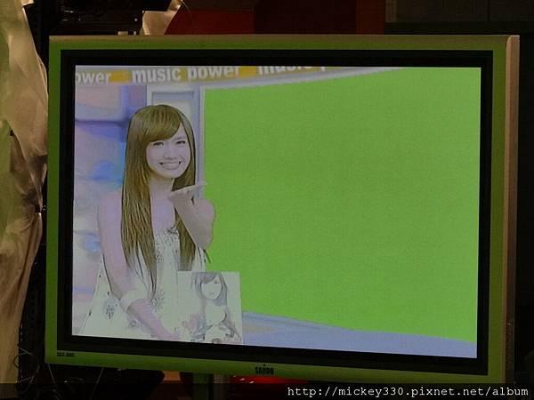 2011 1124翁滋蔓來當金榜主播在PM10華視音樂強力佼唷 (5).JPG