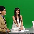 2011 1124翁滋蔓來當金榜主播在PM10華視音樂強力佼唷 (6).JPG