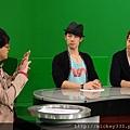 2011 12蔡健雅洪天祥吳建豪李聖傑都在華視~音樂強力佼唷 (14).JPG