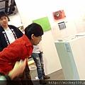 2011 1203在華山簽新書與佈展與看藝術家 (10).JPG
