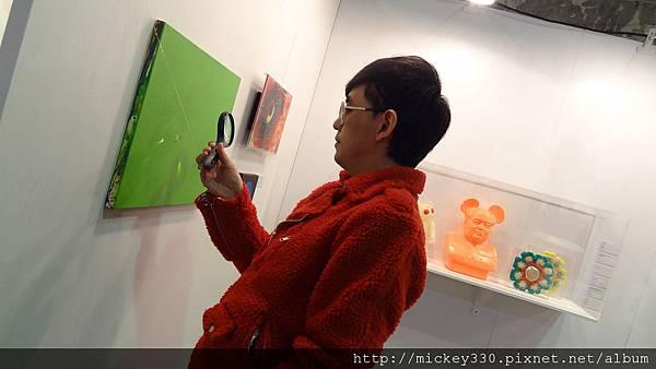 2011 1203在華山簽新書與佈展與看藝術家 (14).JPG