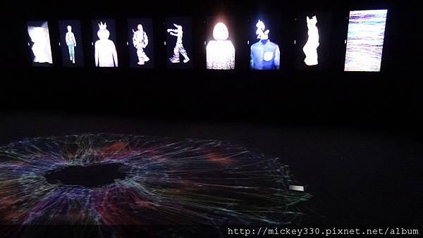 2011 1203moca末未聯展開目與陳順築展 (10).JPG