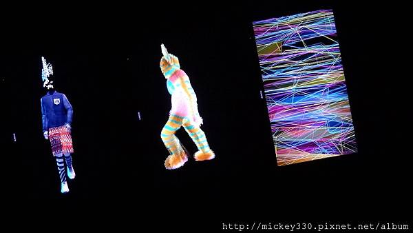 2011 1203moca末未聯展開目與陳順築展 (11).JPG