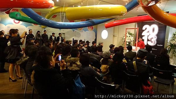 2011 1203moca末未聯展開目與陳順築展 (50).JPG