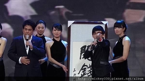 2011 1217CCTV6首映~跨年相信愛慈善晚會 (7).JPG