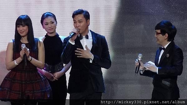 2011 1217CCTV6首映~跨年相信愛慈善晚會 (13).JPG