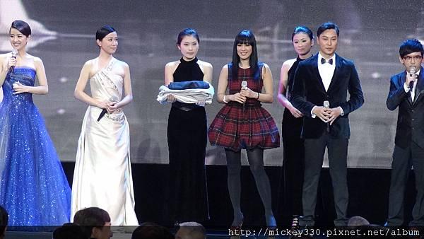 2011 1217CCTV6首映~跨年相信愛慈善晚會 (14).JPG