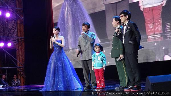 2011 1217CCTV6首映~跨年相信愛慈善晚會 (15).JPG