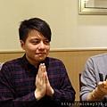 2011 1218硬幫幫耶誕趴之看了照片我還在笑~花哈哈哈 (4).JPG