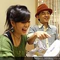 2011 1218硬幫幫耶誕趴之看了照片我還在笑~花哈哈哈 (6).JPG