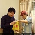 2011 1218硬幫幫耶誕趴之看了照片我還在笑~花哈哈哈 (11).JPG
