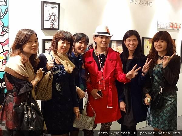2012 3 21 art revolution人潮洶湧的VIP之夜 (6)